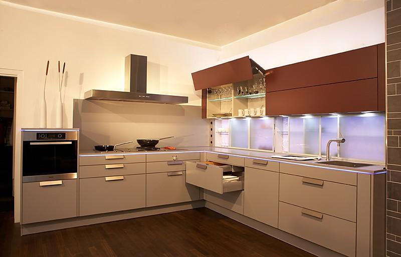 vollausgestattete luxusküche - luxusküchen - Lichtband Küche