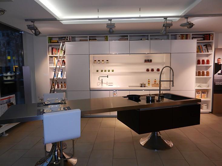 Luxuskuche mit bibliothek luxuskuchen for Musterküche warendorf