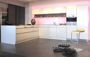 Luxuriöse Küche in L-Form