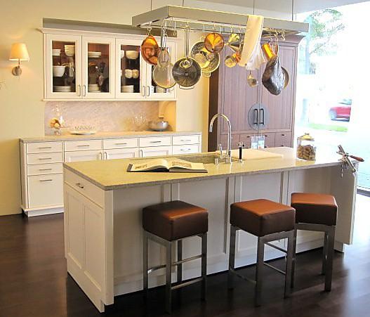 Luxusküche im modernen Landhausstil - Luxusküchen